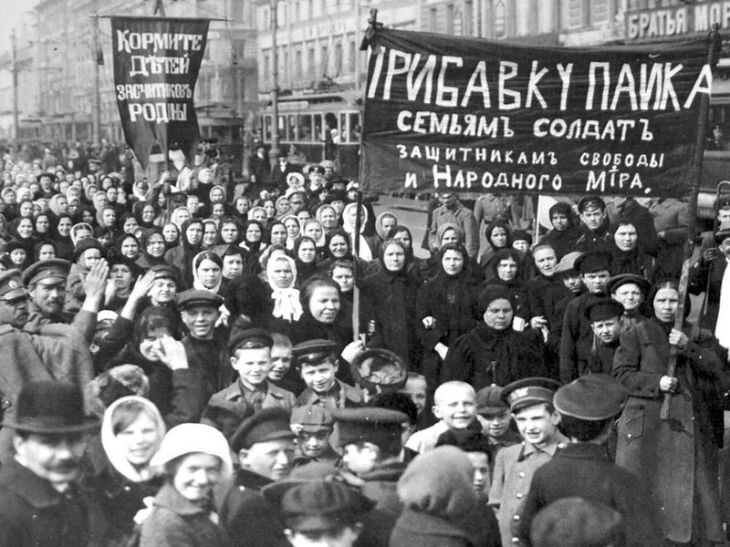 Russia-feb-revolution-women